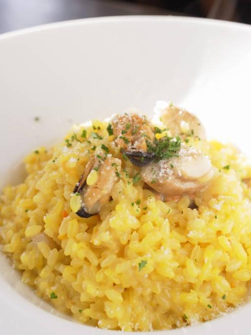 江別イタリアン『ダイニング 木の家』「とかちマッシュとムール貝のサフランリゾット」
