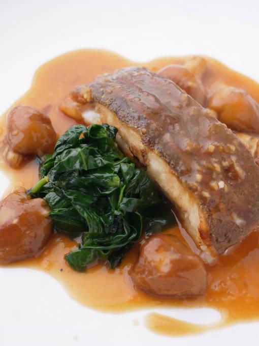 江別フレンチ『レストラン シェ・キノ』「ババガレイのロースト 北海道産ナメタケの生姜風味ソース」